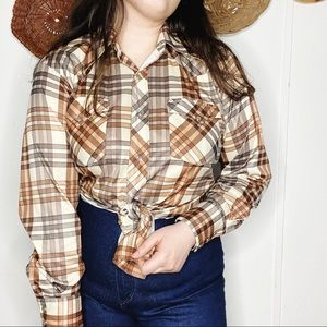 1970s Western Plaid Dagger Collar Pearl Snap Top